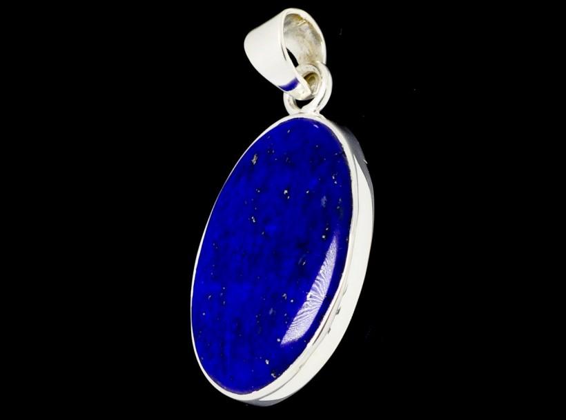 oval cut lapis lazuli pendant 27x20mm