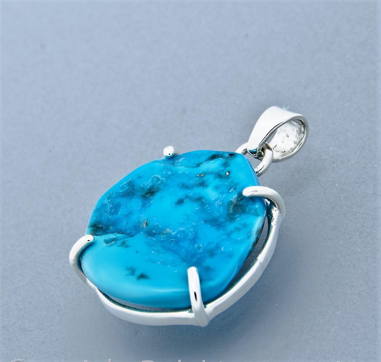 Turquoise claw set Pendant medium
